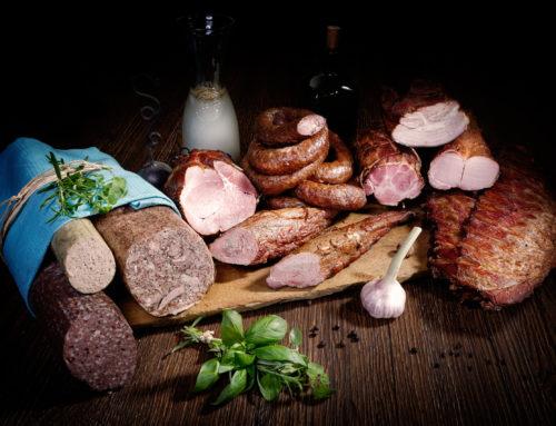 Czy wędliny domowe, swojskie, tradycyjne musimy sami robić, żeby poczuć smak i zapach tamtych lat czy znajdziemy je na rynku?
